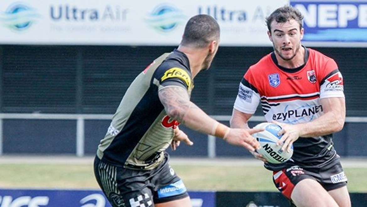Ed Murphy attempting the run-a-round - Intrust Super Premiership - Round 2 - 2016 - North Sydney Bears V Penrith Panthers