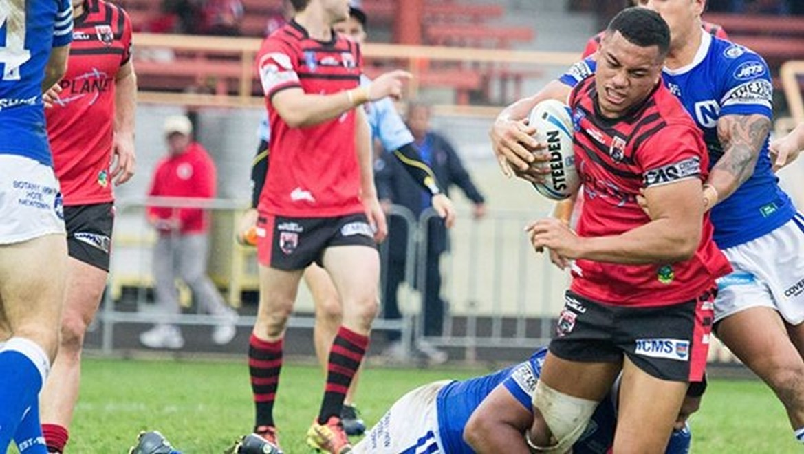 Patrice Siolo grinds through the jets defense - Intrust Super Premiership - Round 19 - 2016 - North Sydney Bears V Newtown Jets